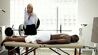 Big tittied masseuse Bridgette B pleases black client like nobody else before