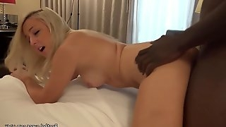 Horny girl can handle a big dick
