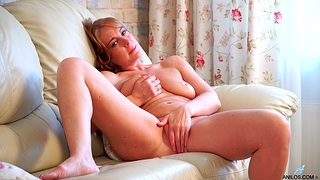 Deep finger fucking solo pleasures hard by mommy