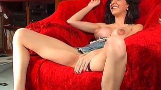 Naughty unskilled Mai Bailey spreads her legs to masturbate. HD