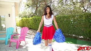 Phthisic cheerleader Angel Del Rey moans while getting fucked hard