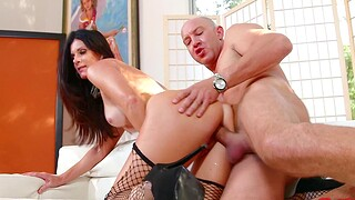 Foxy cougar India Summer gives head and gets fucked in doggystyle