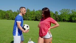 Fit sunless Martina Smeraldi gets butt fucked in outdoors