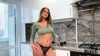 Glamorous room-mate Zlata Shine gets fucked in parsimonious asshole