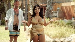 Foursome sex with fucking awesome milfs Kesha Ortega and Sheila Ortega
